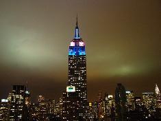 Empire state building in de kleuren van de Argentijnse vlag