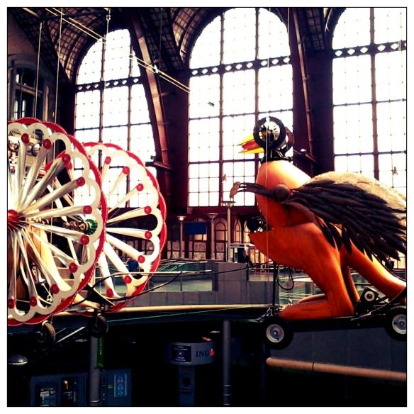 Kangeroe birds op Centraal station Antwerpen